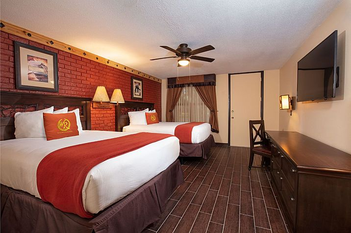 large rr lodgepremiumsuite bedroom 002